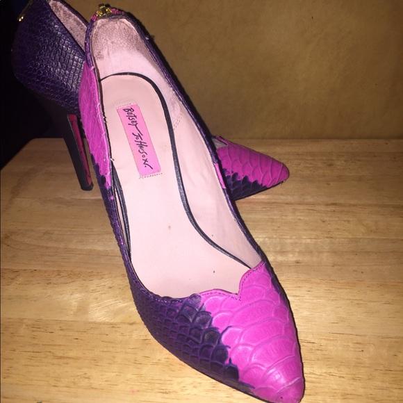 b50c04fa1104 Betsey Johnson Shoes - Betsey Johnson Taya- Fuchsia Pumps